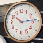 バウハウスの「復刻フォント」で飾られた掛時計が人気です♪《スキレット日記:2021-10-18@高松市多肥下町・スキレット》